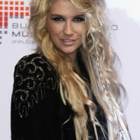 Kesha rocks at Echo Awards