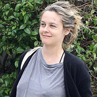 Alicia Silverstone gives birth to a Bear!