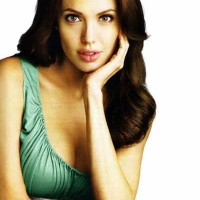 Playboy wants Jolie &#038; she doesn&#8217;t want a pre-nup