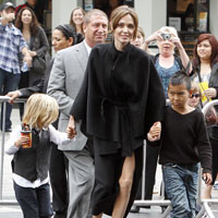 Angelina Jolie brings her kids to Kung Fu Panda 2 LA premiere