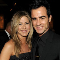 Finally! Jennifer Aniston And Justin Theroux Are Engaged!