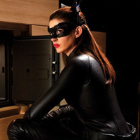 Latest &#8216;The Dark Knight Rises&#8217; Clip: Anne Hathaway Prissy Catwoman?