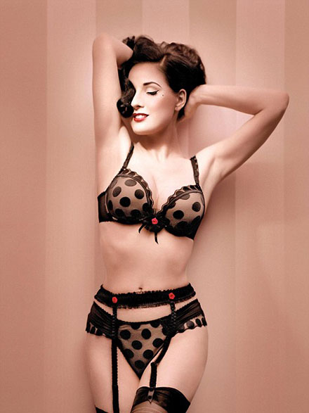 Dita Von Teese is sexy and hot in Wonderbra 2008 ad campaign