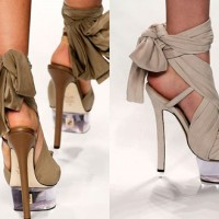 More sunshine with S/S 2010 shoe collections