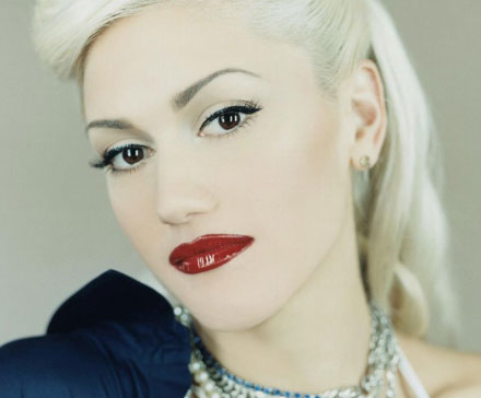 gwen-stefani-pale-complexion-trend