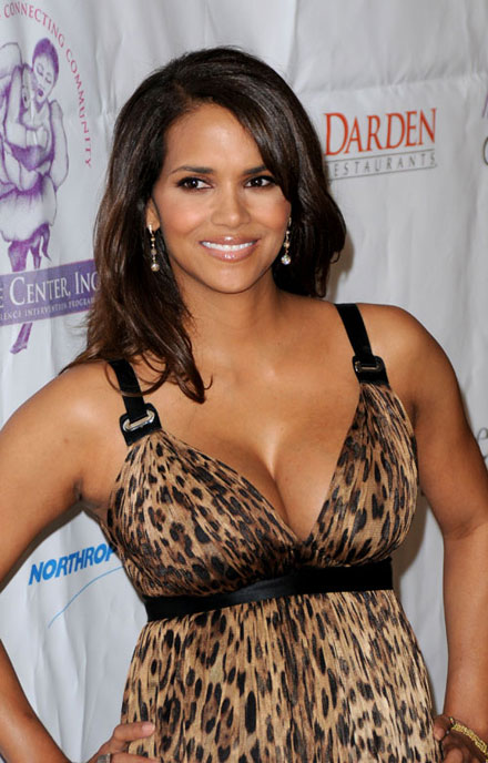 Halle Berry is voted Sexiest Lady by Parade's Summer Pop Culture Poll