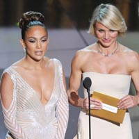 Jennifer Lopez Nip Slip at Oscar 2012
