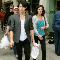 OMG: Joe Jonas and Camilla Belle SPLIT