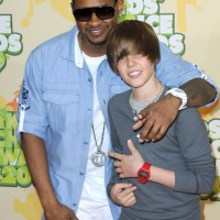 Justin Bieber &#038; Usher &#8216;Somebody To Love&#8217;