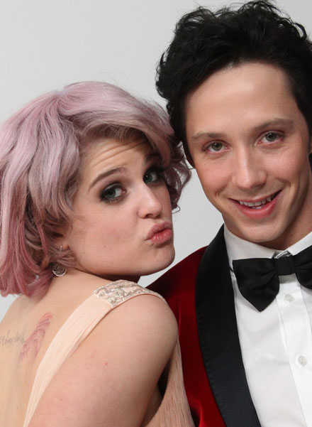 Kelly Osbourne and her pink hair disaster at 2010 Oscars