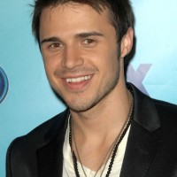 Everyone covers Britney. Even Kris Allen