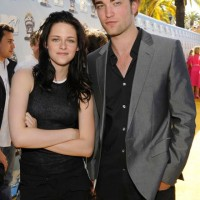 Kristen Stewart: &#8220;Robert and I are friends&#8221;