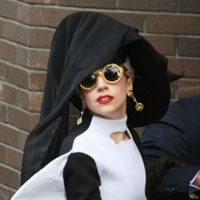 Lady GaGa is the most powerful celebrity 2011 (Justin Bieber is in top 3)!