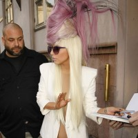 Lady GaGa&#8217;s heart is healed by new crazy hat
