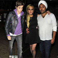 Is Lindsay Lohan back with Both Samantha Ronson &#038; Vikram Chatwal?