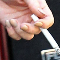 Lindsay Lohan Displayed Stained Fingers