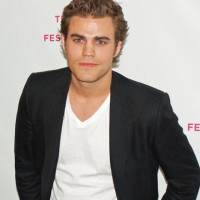 Vampire Diaries&#8217; Paul Wesley is NOT a married man