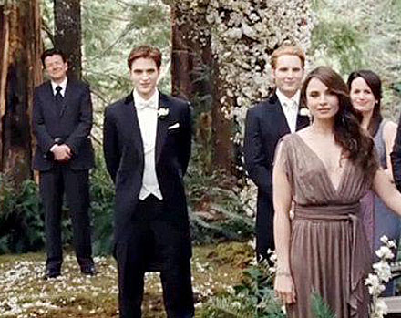 Robert Pattinson in Breaking Dawn&#039;s wedding scene