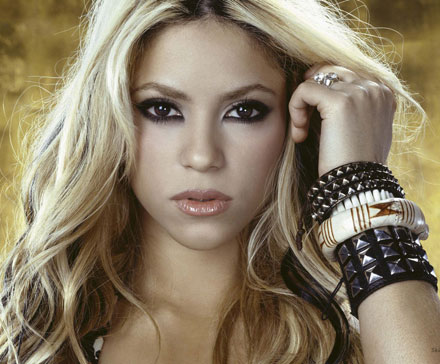 shakira-pale-complexion-trend