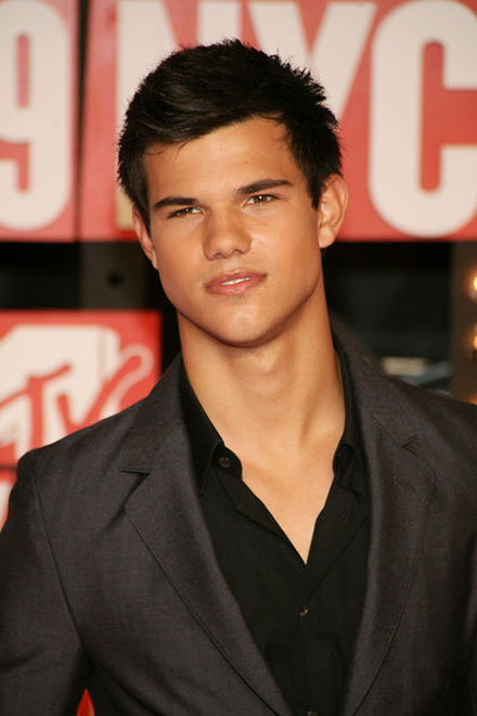 taylor-lautner-taylor-swift-off-screen-romance