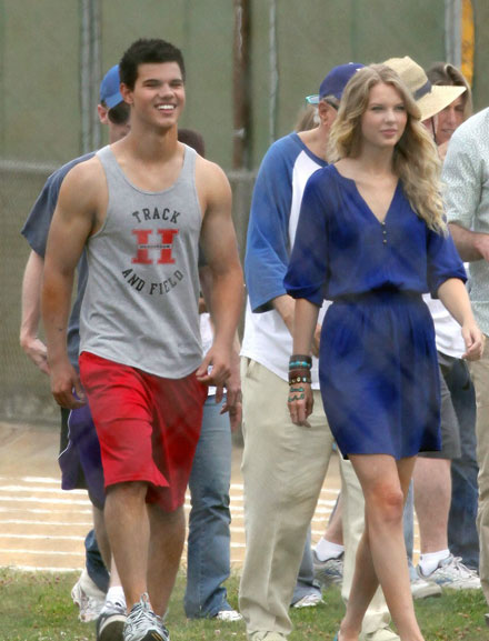 Taylor Lautner and Taylor Swift star in Valentine's Day
