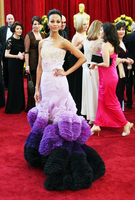 Zoe Saldana and her pink-purple-black dress at 2010 Oscars