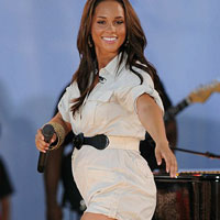 Alicia Keys: bump watch at Good Morning America concert