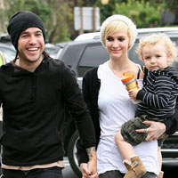 Ashlee Simpson, Pete Wentz file for divorce!