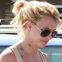 Stupidest tattoo of the week  Britney Spears shows her new neck ink