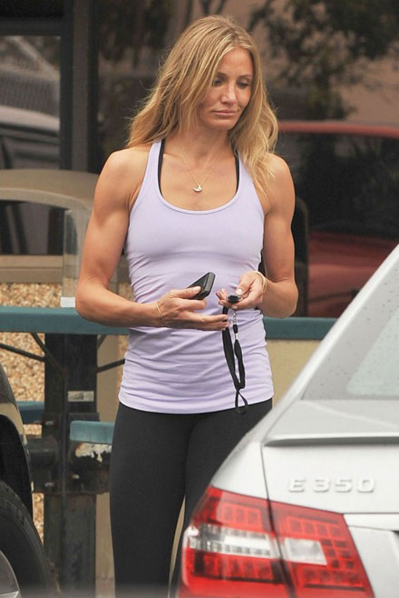 Five female celebrities with least attractive arms - Cameron Diaz