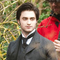 Daniel Radcliffe in the first &#8216;Woman In Black&#8217; trailer