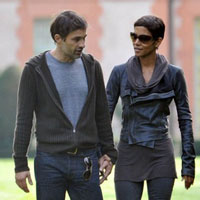 Halle Berry and new boyfriend Olivier Martinez go public in Paris