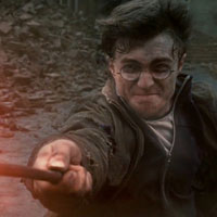 First official trailer of Harry Potter And The Deathly Hallows Part II is freaking awesome!