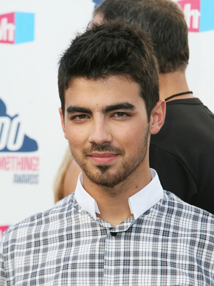 Joe Jonas goes elecropop for his solo album