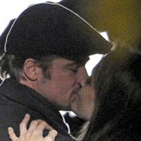 Angelina Jolie, Brad Pitts PDA on set of new movie in Budapest