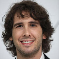 Josh Groban sings Kanye West&#8217;s tweets even better than Kanye tweets them!