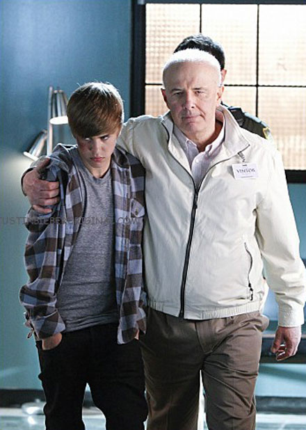 Justin Bieber returns to CSI on Feb. 17, 2011