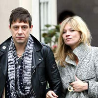 Kate Moss has secretly married boyfriend Jamie Hince