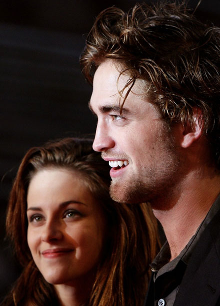 Robert Pattinson and Kristen Stewart is the hottest celebrity couple 2010