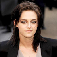 From Around The Web: Kristen Stewart WILL play Snow White in &#8216;Snow White And The Huntsman&#8217;