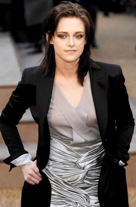 Kristen Stewart is the best earning actress, according to Vanity Fair