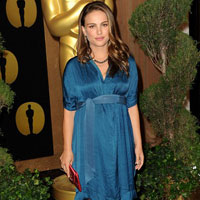 Pregnancy chic: Natalie Portman&#8217;s maternity style at 2011 Oscar luncheon