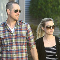 Another Hollywood engagement: Reese Witherspoon and Jim Roth!