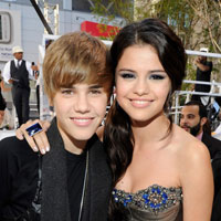 Selena Gomez confesses she loves Justin Bieber