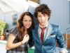 nick-jonas-girlfriends-pic-gallery