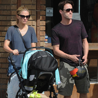 Top Celebrities Walking with their Kids