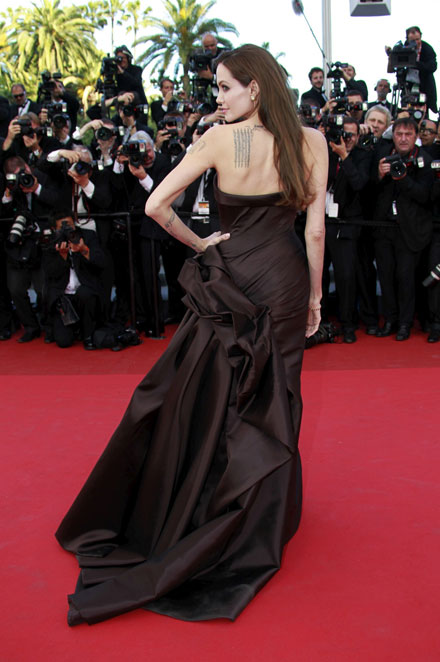 Angelina Jolie is beautiful in a Versace dress at 2011 Cannes Film Festival