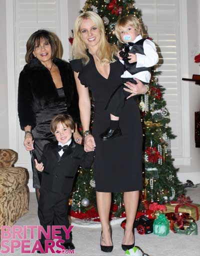 Britney Spears with mom Lynn and sons Jayden And sean on her brother Bryan's wedding