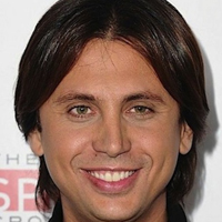 From Around the Web: Kris Humphries Supporter Attacks Jonathan Cheban!