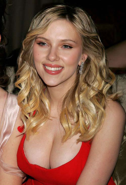 scarlett-johansson-empire-magazines-50-sexiest-female-movie-stars-2009